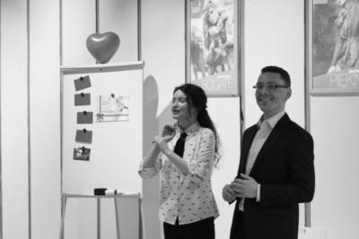 Joanna i Tomasz podczas wykładu z okazji Walentynek 2018 - Jak dbać o związek aby miłość kwitła