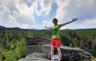 Szczęśliwa Asia na Szwedzkich Skałach w Karkonoszach